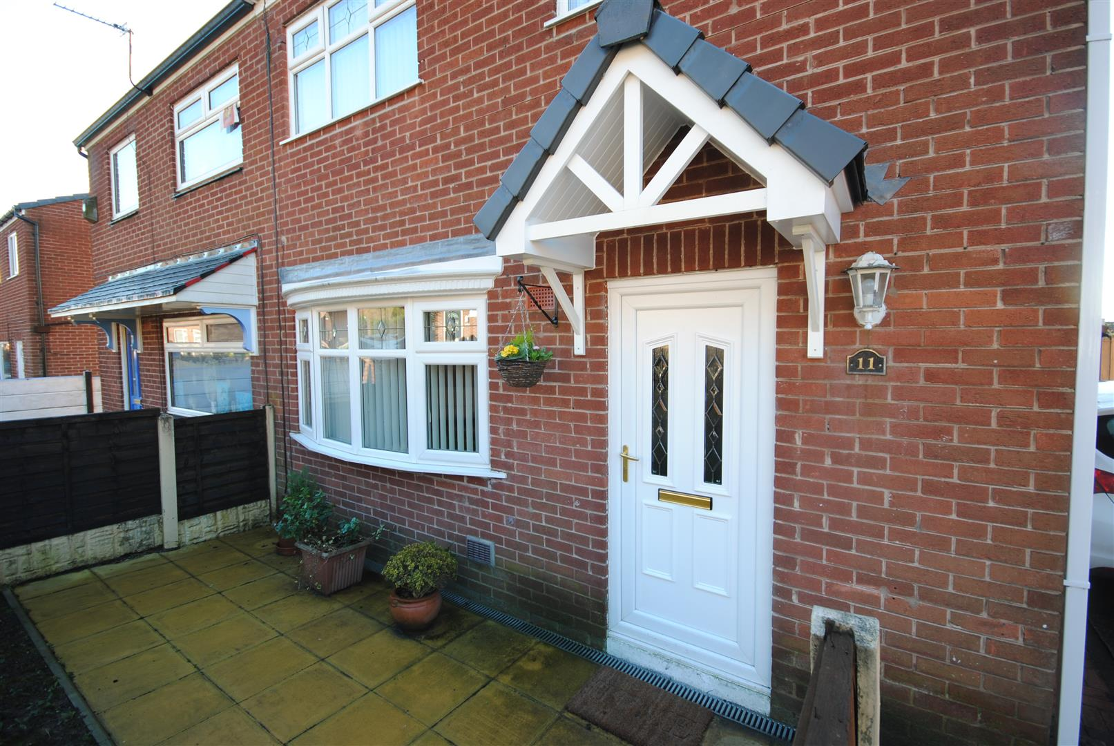 2 Bedrooms Semi Detached House for sale in Rathen Avenue, Ince, Wigan
